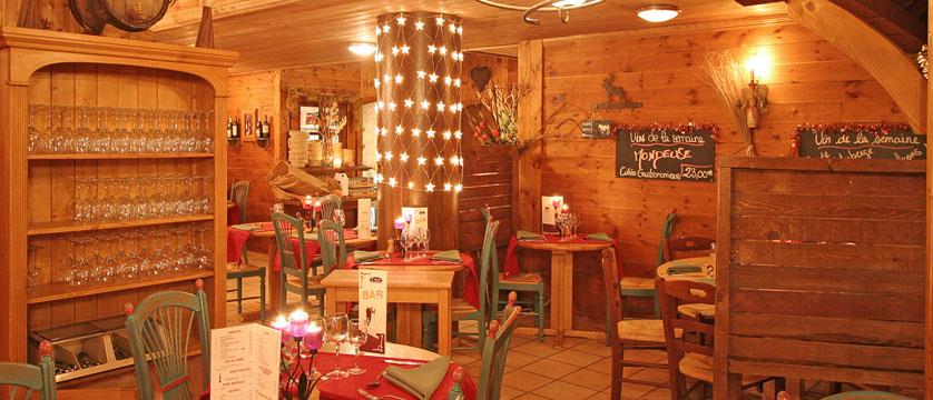 France_La-Plagne_Hotel-Des-Balcons-Belle-Plagne_Restaurant-LAuberge-des-Balcons.jpg